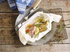 Πεντανόστιμο ψάρι στη λαδόκολλα
