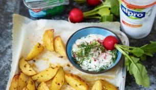 Chili-Röstkartoffeln mit Kräuter-Radieschen-Tzatziki