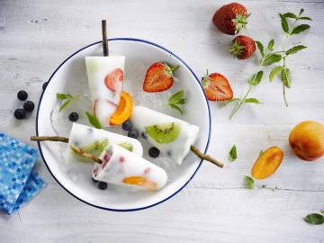 Fruity coconut popsicles