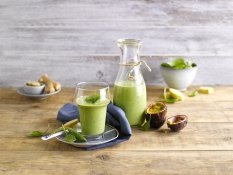 Banana, Spinach & Passion Fruit Smoothie