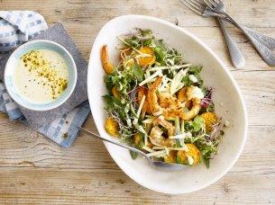 Salade met scampi's en frisse currydressing
