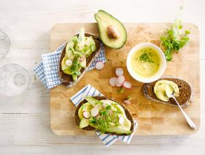Almondaise Avocado Sandwich