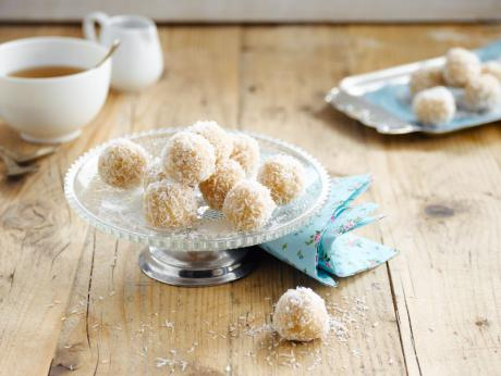 Fluffy coconut snowballs
