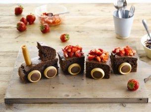 Yummy Chocolate Train Cake