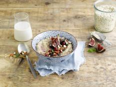 Mandel & Vanille Porridge mit Feigen