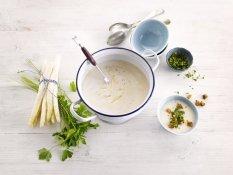 Βελουτέ σούπα με σπαράγγια